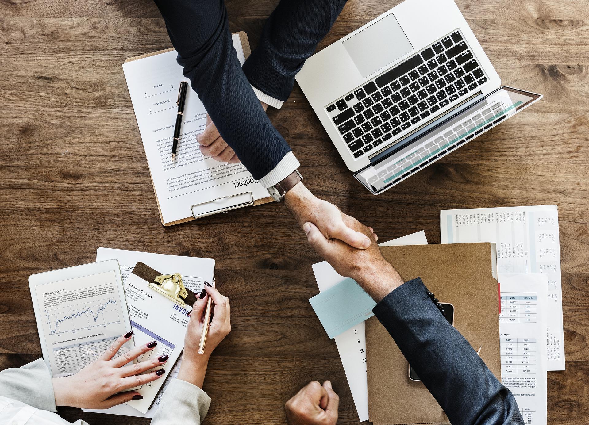 税理士補助経験者が企業の経理へ転職できるのか?
