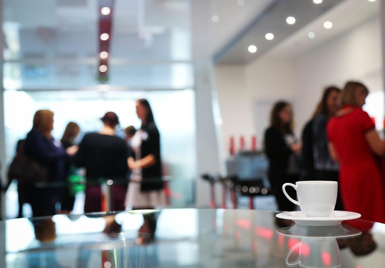 上場企業は、税理士資格以外の要素も重視している?