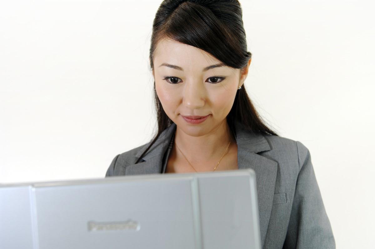 女性の税理士の年収事情。初任給から各年代の年収について